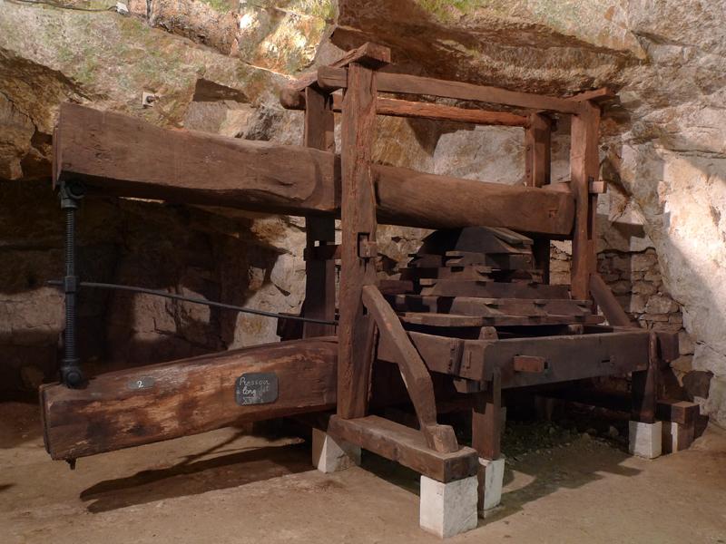 Cave-touristique-bourgueil