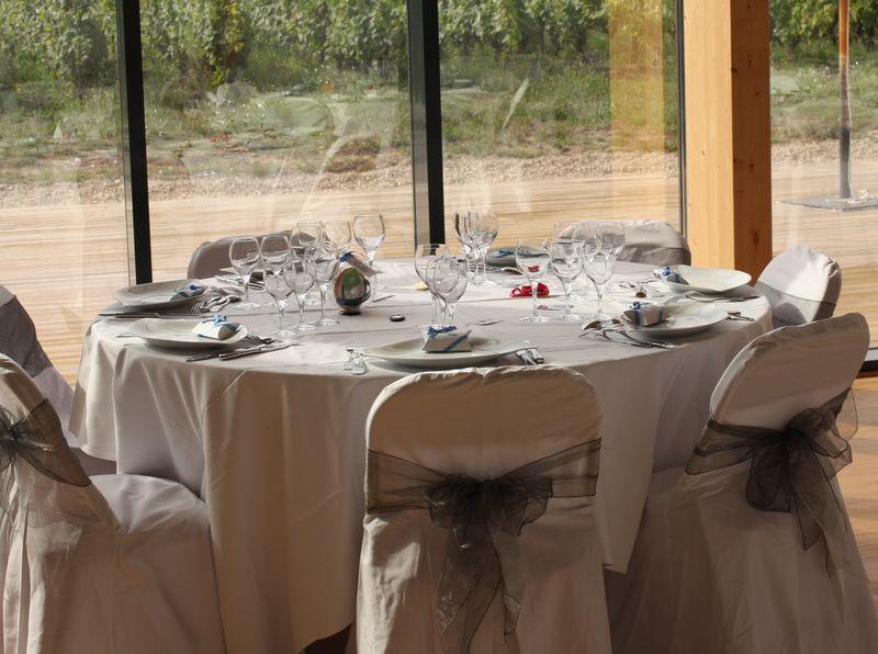 Domaine de Montcy table interieur