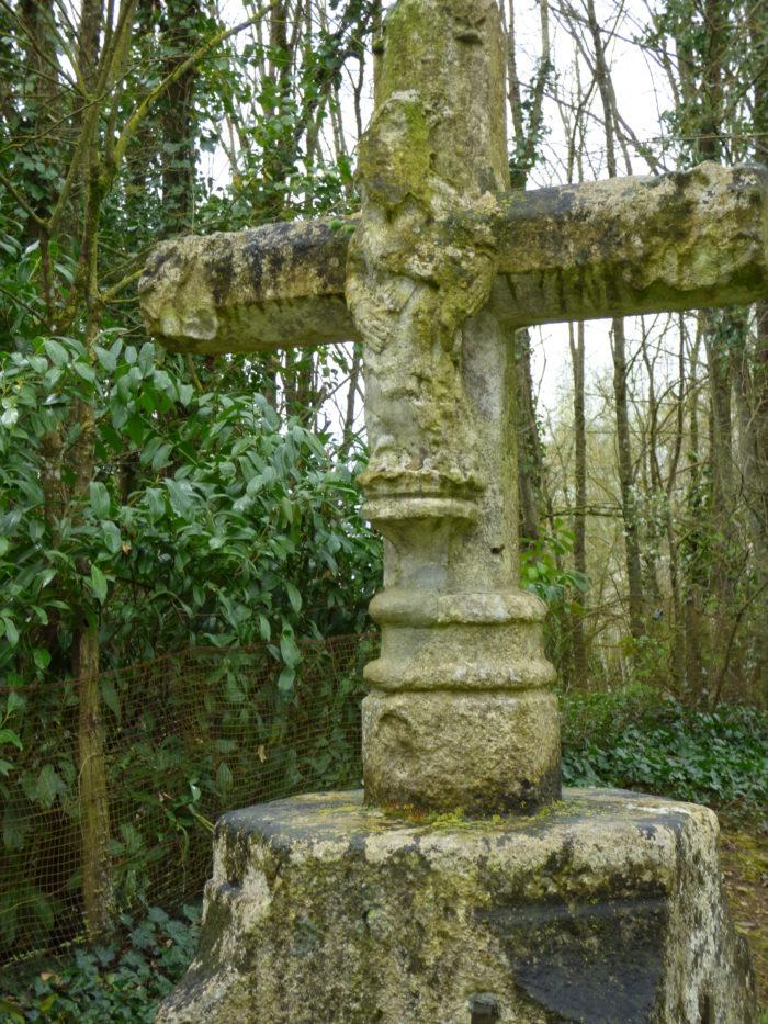 Croix en granit (XVè)